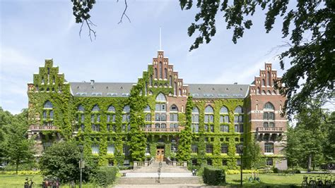 China-EU School of Law informs prospective students at