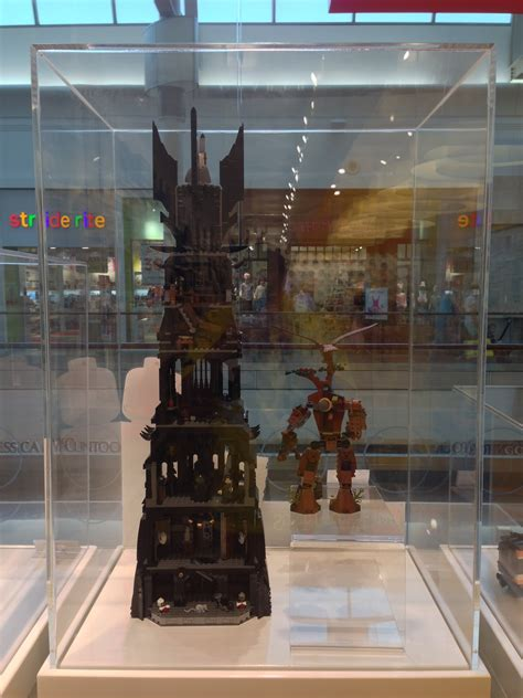 LEGO Tower of Orthanc 10237 Set Display Photos at the LEGO
