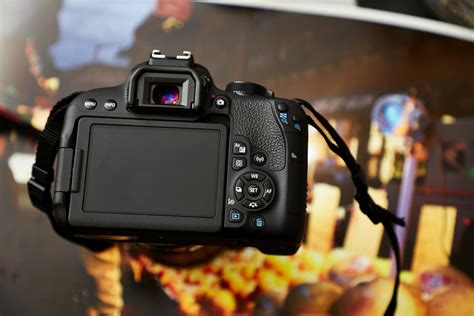 Review: Canon Rebel T7i (Canon's Sort of In The Middle APS