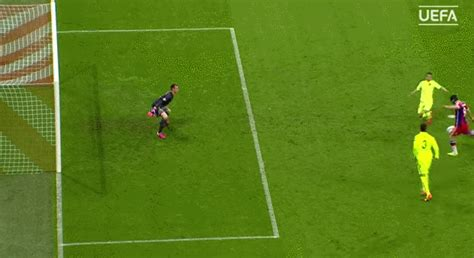 WATCH: If Ter Stegen does not win save of the season