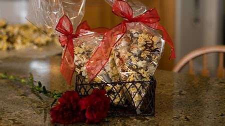 Bear Claw Popcorn Recipe and Video