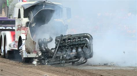"""TRACTOR PULLING Intro of """"THUNDER PULLING 12"""" - YouTube"""