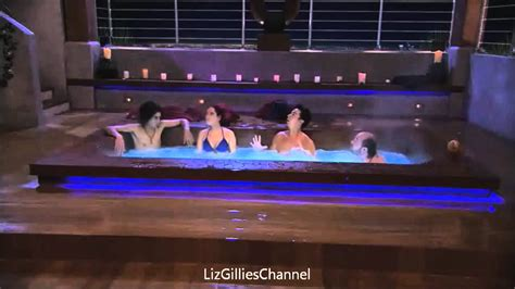 iParty with Victorious: Sinjin falls into the jacuzzi
