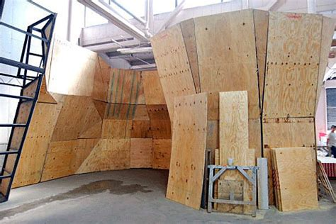 Daily News garage to become rock-climbing gym | Brooklyn Paper